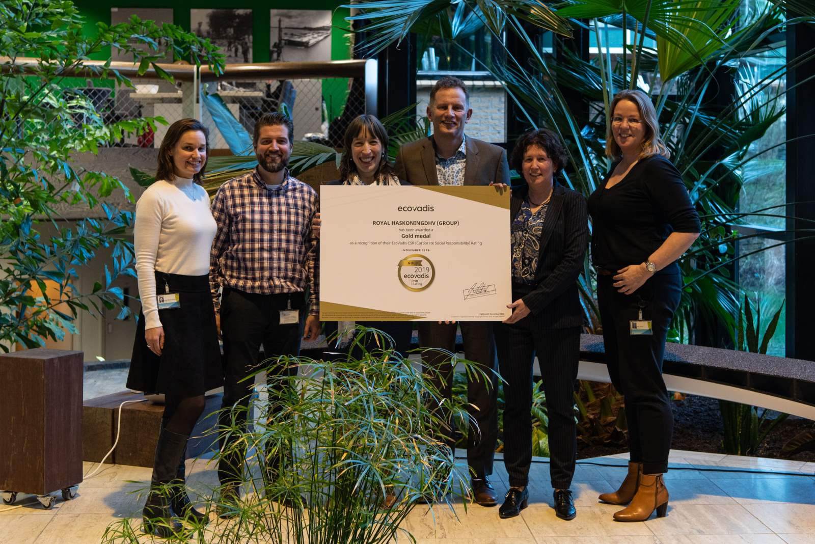 Colleagues celebrating the obtained EcoVadis gold medal in 2019 for the fourth consecutive year
